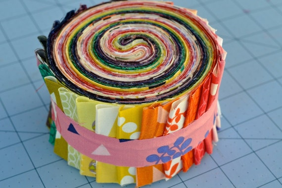 Andover Lizzie House Outfoxed COMPLETE Fabric Roll with 27 2.5 inch Strips
