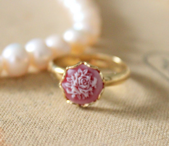 Petite red  rose - shabby chic Victorian style petite cameo ring