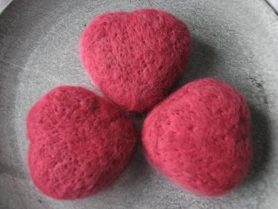 Felted hearts pink set of 3