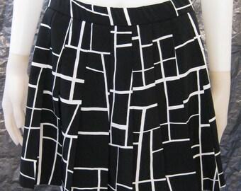 Vintage Black & White Pleated Printed 80's Mini Skirt  M