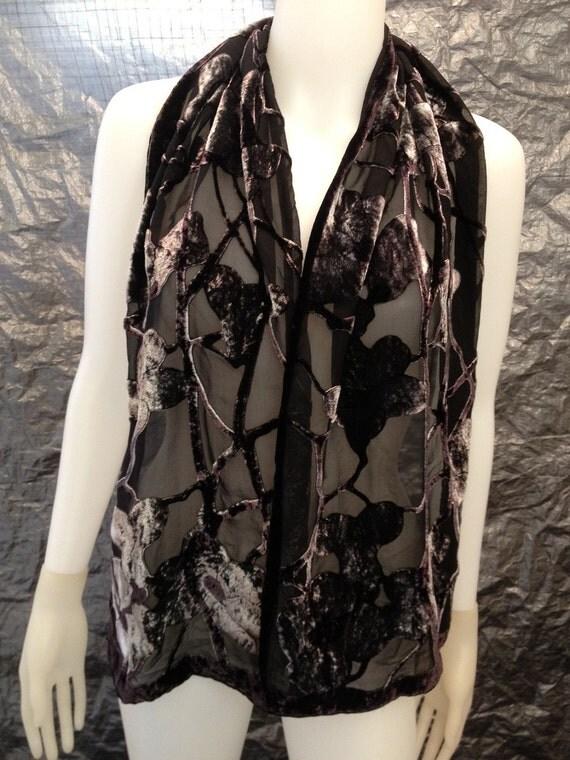 Vintage Gray/Black Spiderweb Floral Burnout Velvet 90's Scarf