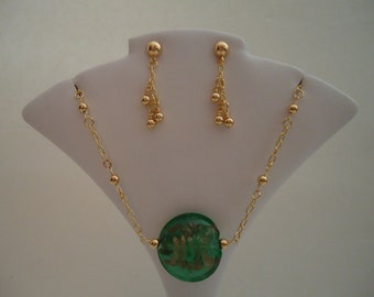 Green Necklace - Green Jewelry - Gold Jewellery - May Birthstone - Green Glass Pendant - Necklace Earring Set Combo - Women