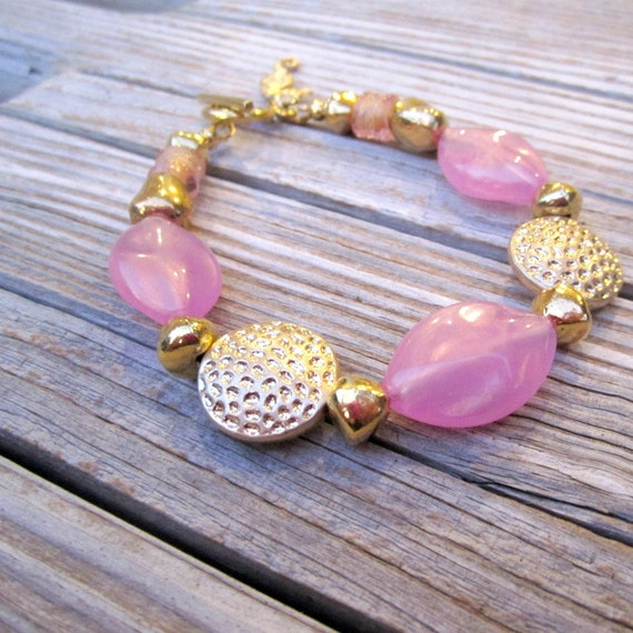 Pink Bracelet - Pink Jewelry - Pink and Gold Jewelry - Beaded Jewellery - Seahorse Charm - B-26