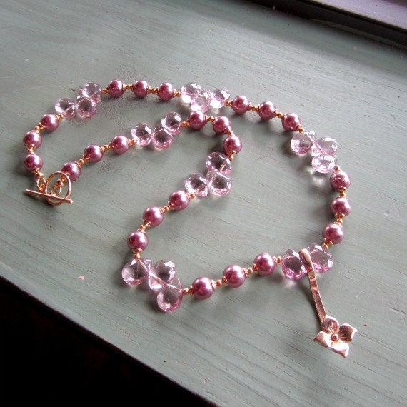 Mauve Necklace - Pink Pearl Jewelry - Yellow Gold Jewellery - Wedding - Bridesmaid - Quartz Gemstone - Statement - Flower Pendant