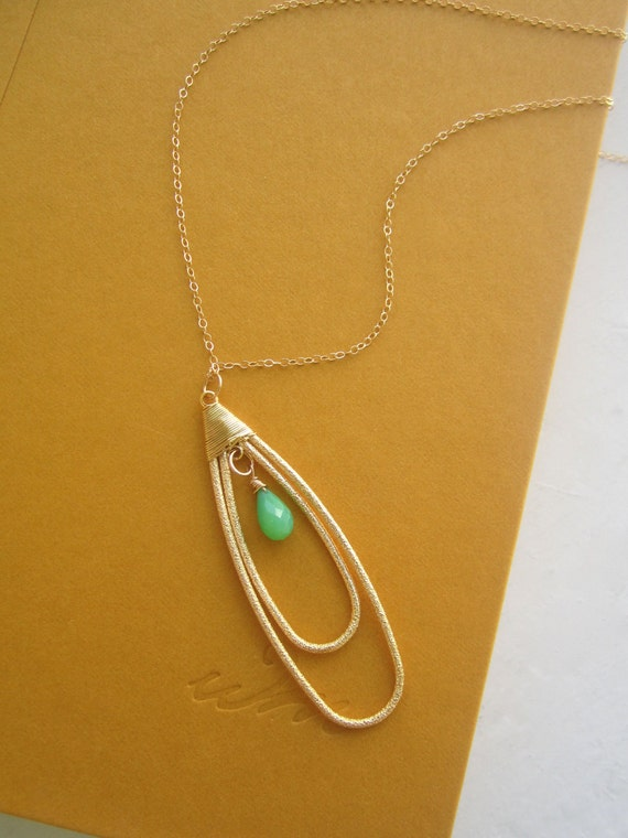 Teardrop Pendant with Emerald Briolette Necklace in Gold