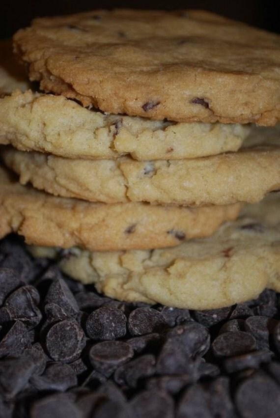 VEGAN Soft Chocolate Chip Cookies