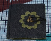 Whimisical Bee needle book