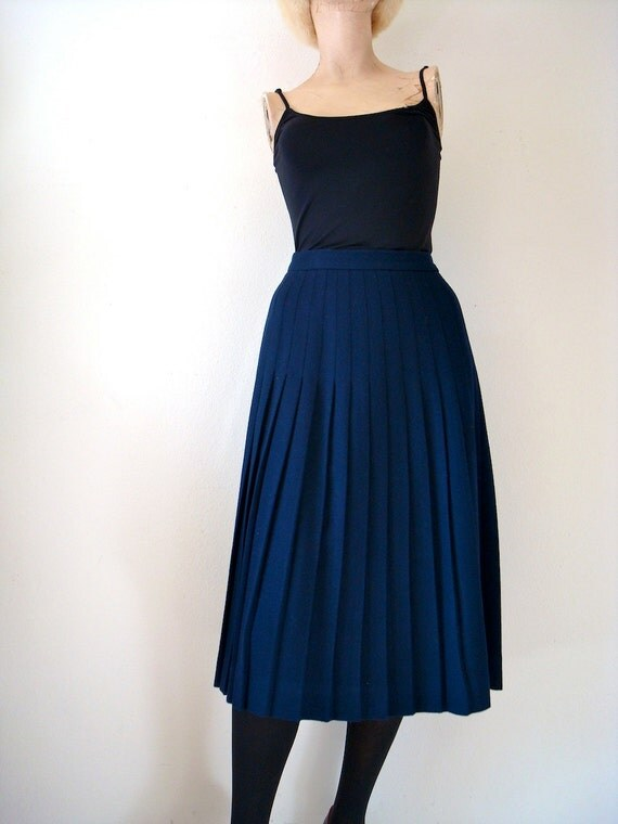 1970s Wool Skirt / A-Line Skirt with Knife Pleats / blueberry