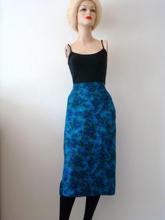 1950s Pencil Skirt / floral print straight skirt / mad men vintage
