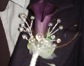 DARKPURPLE CALLA LILY  -  Flower Boutonniere With Multicor Pearls Strands, Feathers, A Tulle Flower, Spring/Summer Wedding,Hand Made