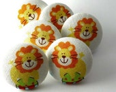 Push Pin / Magnet / Lions / Thumbtack  / Pushpin / Fabric Covered / Circus  / Zoo / Note  Office Board / Happy Work Area / DIY Craft 82