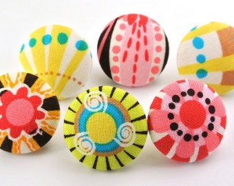 Lovely Flowers Pushpin / Magnet / Craft Button / Fabric Covered Buttons / Push Pin  Pink / Shank Button