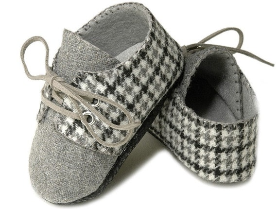 Lucas Baby Boy Shoe in Houndstooth Gray Wool,slipper,bootie . Infant-Toddler, Handmade by Pink2Blue