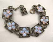 FREE US ship vintage MIRACLE gothic glass opal link bracelet