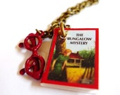Nancy Drew with Reading Glasses Necklace Red Chain Mystery Speckacles