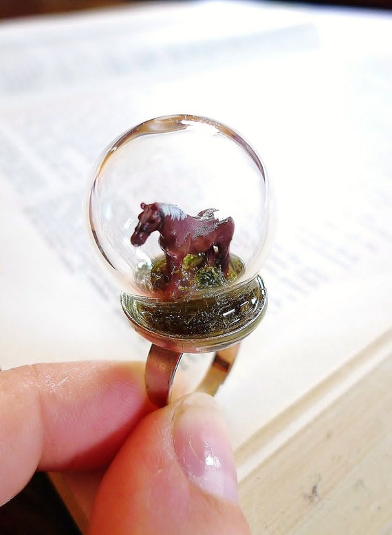 Horse Ring. Miniature Grass Animal Snow Globe Pyrex Farm Moss Organic Forest Woodland