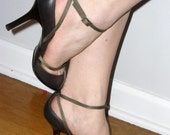 Brown Leather NINE WEST ----- Reto Chic High Heel Sexy Shoes---Size 8