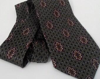 Fantastic Vintage -- Haggar Clothing Co--City Casuals Necktie---100 Percent SILK-Perfect Condition