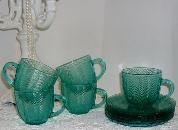 Breathtaking Vintage --ARCOROC ---FRANCE ---RARE --Aqua Teal Herringbone Cut Glass--Set