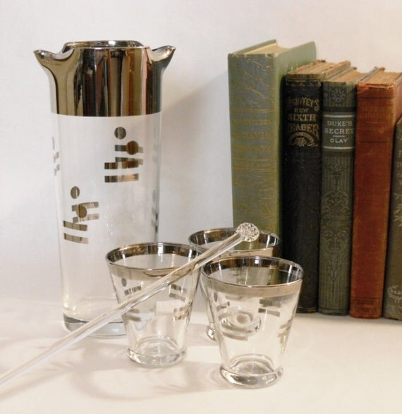 Bar ware Drink Mixer set, Cocktail glasses, Dorothy Thorpe inspired, Silver and Glass Very Unique