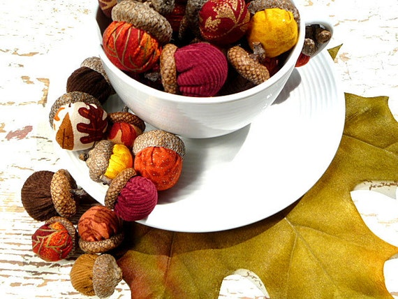 Fall Acorns, Autumn Fall Harvest Thanksgiving Halloween Decor - Deluxe Set of 40 in Gorgeous Autumn Colors