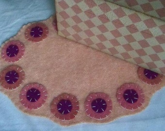 SALE: Shabby Chic Felted Wool Penny Rug Scalloped Pink Purple