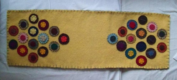 SALE: Primitive Wool Penny Rug Table Runner Antique Style Yellow