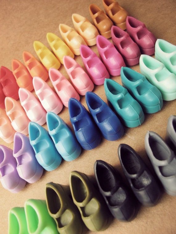 21 pair Marry Jane Shoes