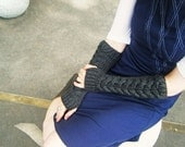 fingerless gloves, arm warmers, chunky gray horshoe cable, handmade by lolide