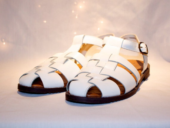 Vintage size 7.5 Flat Leather Shoes White Buckle Shoes Summer Fashion Casual West 31st Sandals