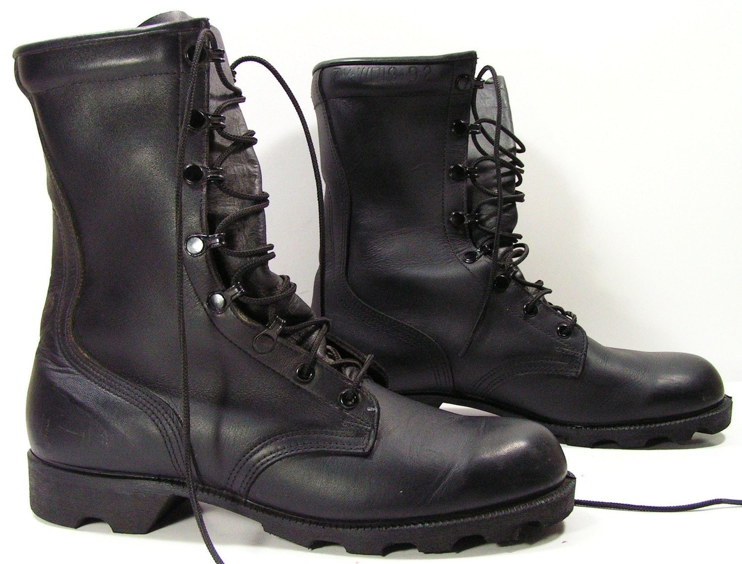 Model Combat Boot Black  Womens Boots