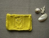 Perky Owl knit mini pouch in saffron