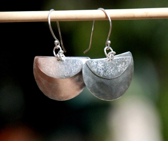 Silvery Moon-Crescent Silver Earrings-Two Layered Fan Silver Earring-Organic Decor-Large Demi Circles Earrings--Boucles d'oreilles Argent