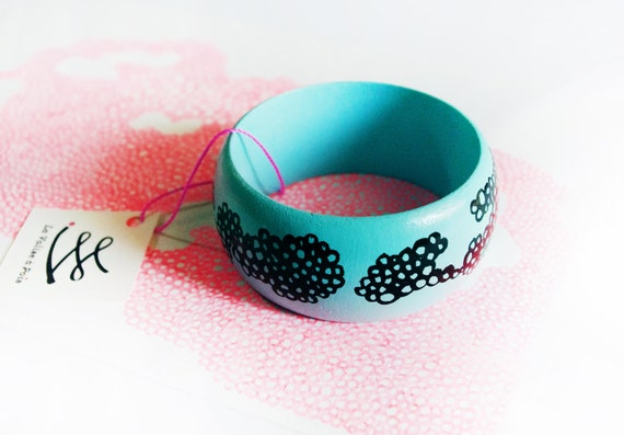 """Large bracelet """"organic turquoise blue"""" in hand-painted wood."""