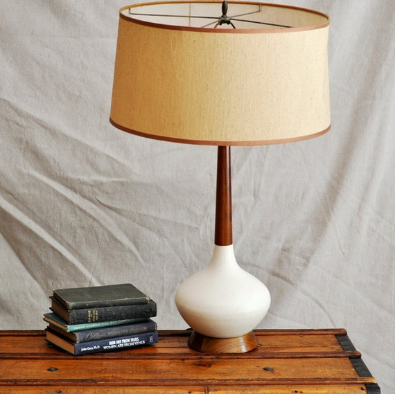 tall white lamp vintage white ceramic and wood table lamp 1960 39 s. Black Bedroom Furniture Sets. Home Design Ideas