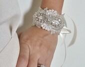 Beaded pear bridal cuff, bridal cuff bracelet, Bridesmaid gift, bridesmaid bracelet, beaded crystal cuff, wedding bracelet  - CARI