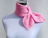 Pull through scarf retro 50s style knitted ascot neckerchief keyhole scarflette neck warmer in cotton candy pink