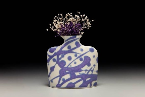 Small porcelain slab flower vase