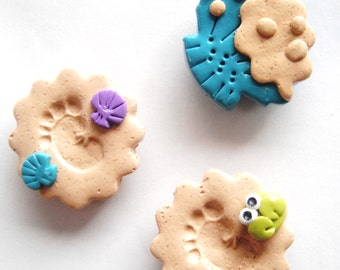 Magnet Sandy Footprints handmade polymer clay magnets ( 3 )