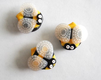 Magnets Little Stinger Bees handmade polymer clay magnets ( 3 )