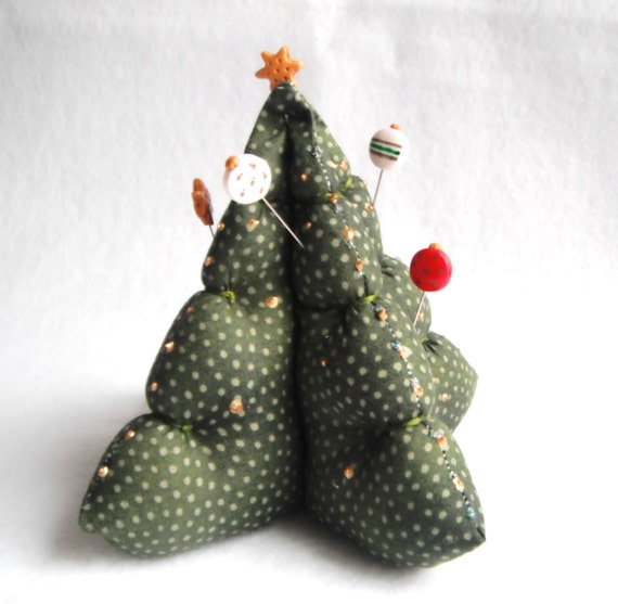 Pincushion Christmastree with 6 handmade polymer clay pins