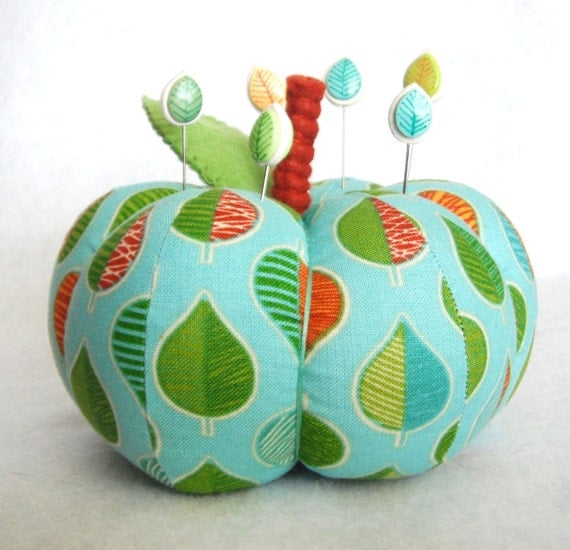 Pincushion Pumpkin cotton fabric and felt handmade pincushion with 6 polymer clay matching pins