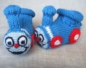 0-3 months hand knitted baby booties 'Thomas The Train'