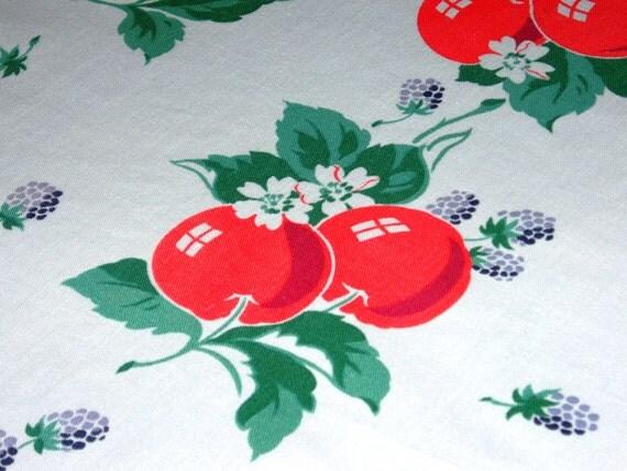 Pretty 1940s Vintage AppleTablecloth 51.5 x 49.75