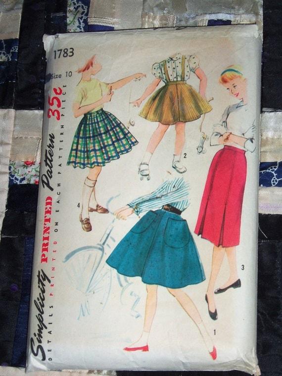 1956 Simplicity Pattern 1783 Girl's Skirt Wardrobe Pattern Size 10, Waist 24 Inches