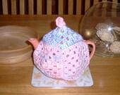 K4BN - Granny Square Tea Cosy