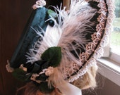 Regency bonnet in holly green jacquard and taffeta
