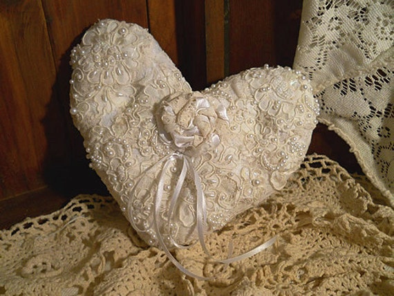 Victorian Shaped Pillows : Victorian Heart Shaped Vintage Ring Bearer Wedding Pillow