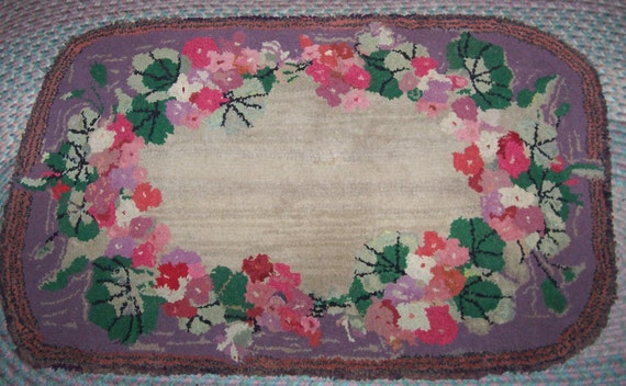 "Antique Handmade Floral  Hooked Rug 27""X45"""