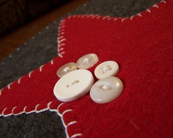 Sale! Wool Felt Candle Mat- star with buttons - 20% off!